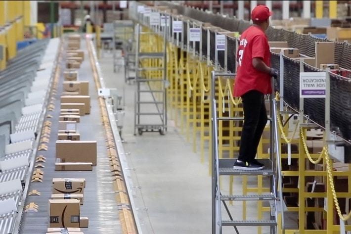 "3sat-Doku ""makro: Amazon - Die ganze Welt im Pappkarton"""